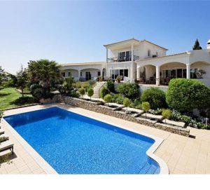 Luxury Algarve Villa for 8 with Heated Pool